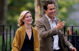 Elizabeth Banks and Ryan Reynolds