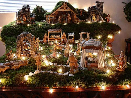 My grandmother and her christmas belen tasithoughts 39 weblog - Portales de belen originales ...