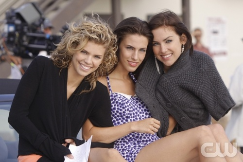 Pictured: AnnaLynne McCord as Naomi, Jessica Lowndes as Adrianna, Jessica Stroup as Silver  Photo Credit: Michael Desmond/The CW  © 2009 The CW Network, LLC. All rights reserved.