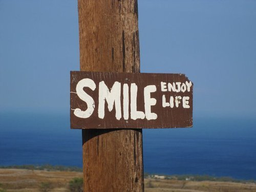 http://tasithoughts.files.wordpress.com/2012/04/smile-enjoy-life.jpeg