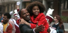 "NEW YORK, NY - DECEMBER 02:  Jamie Foxx, Quvenzhane Wallis filming ""Annie"" on December 2, 2013 in New York City.  (Photo by Steve Sands/Getty Images)"